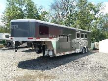 Lakota - Colt AC839 3 Horse Trailer W/ Living Quarters